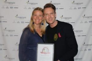Bilde av Compass Groups administrerende direktør Kathinka Friis-Møller og Ronny Malmberg på Eurests Vårfest 2019